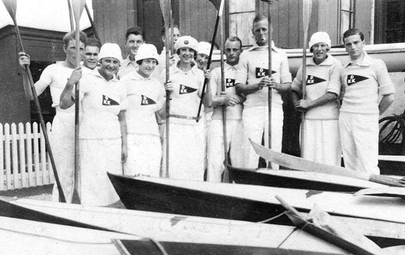DKK-roere opstillet til fotografering i 30'erne.